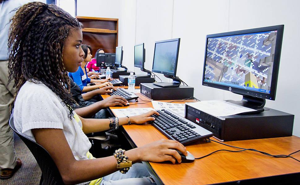 Minecraft é utilizado no ensino