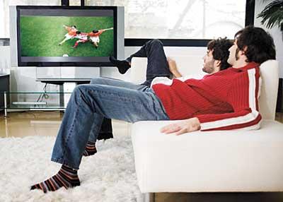 Aumento da venda de televisores para a Copa do Mundo --- Image by © Randy Faris/Corbis