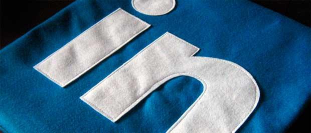 Infográfico: LinkedIn atinge 300 milhões de usuários globais.