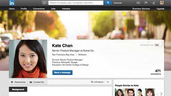 LinkedIn também cede e faz perfis no estilo Facebook.