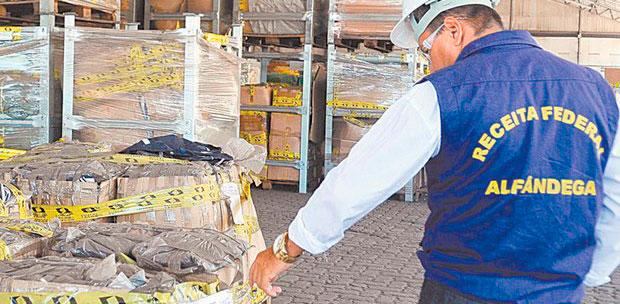 Taxa sobre compras no exterior são revistas pela Justiça.