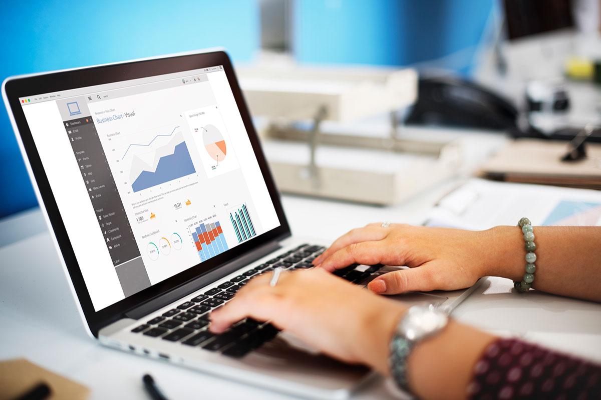 Quais são as principais barreiras das empresas na análise e uso de dados?