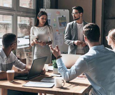 Pesquisa indica que 90% dos brasileiros preferem trabalhar com equipes multigeracionais
