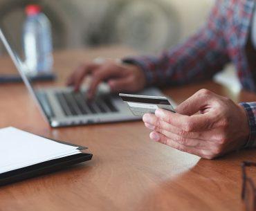 Brasileiro amplia experiência no E-commerce impulsionada por não-duráveis