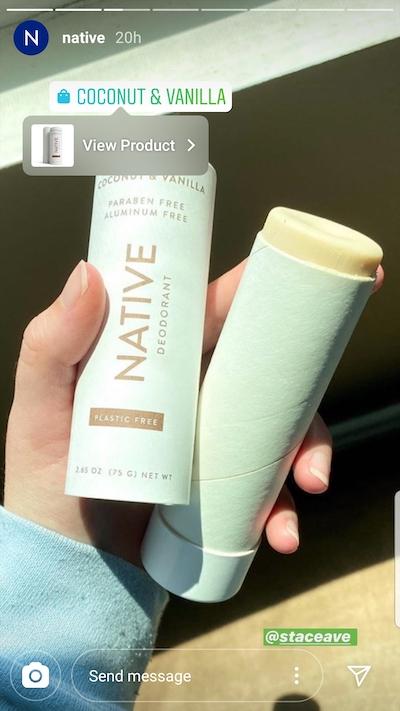 A Native, uma empresa de desodorantes naturais, publicou uma história de um usuário e depois etiquetou o produto para facilitar a compra.